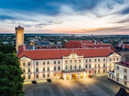 Рийгикогу, парламент Эстонии, Тоомпеа