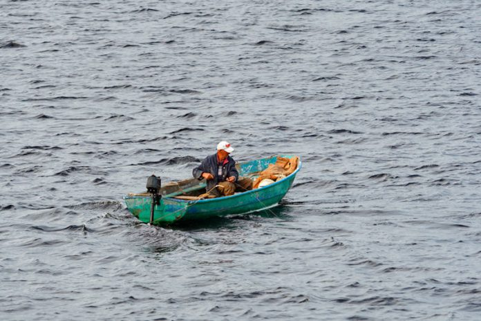 рыбак, рыбалка, рыбная ловля, лодка, озеро, река, море