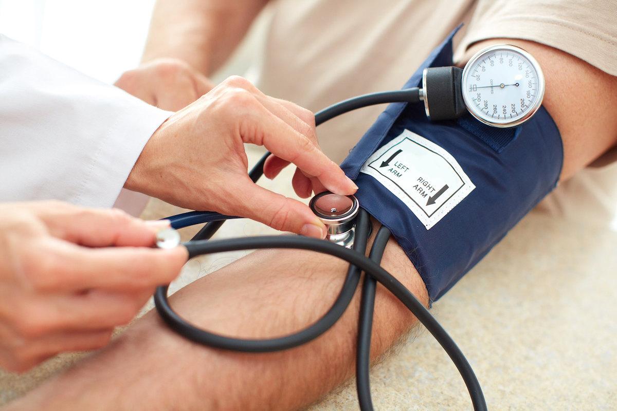 высокое кровяное давление, гипертония, тонометр