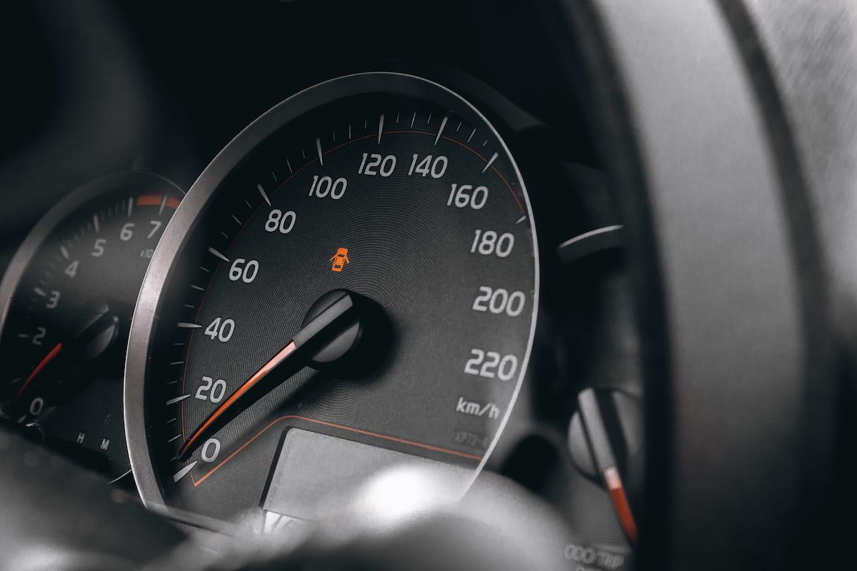 спидометр, скорость, автомашина, автомобиль