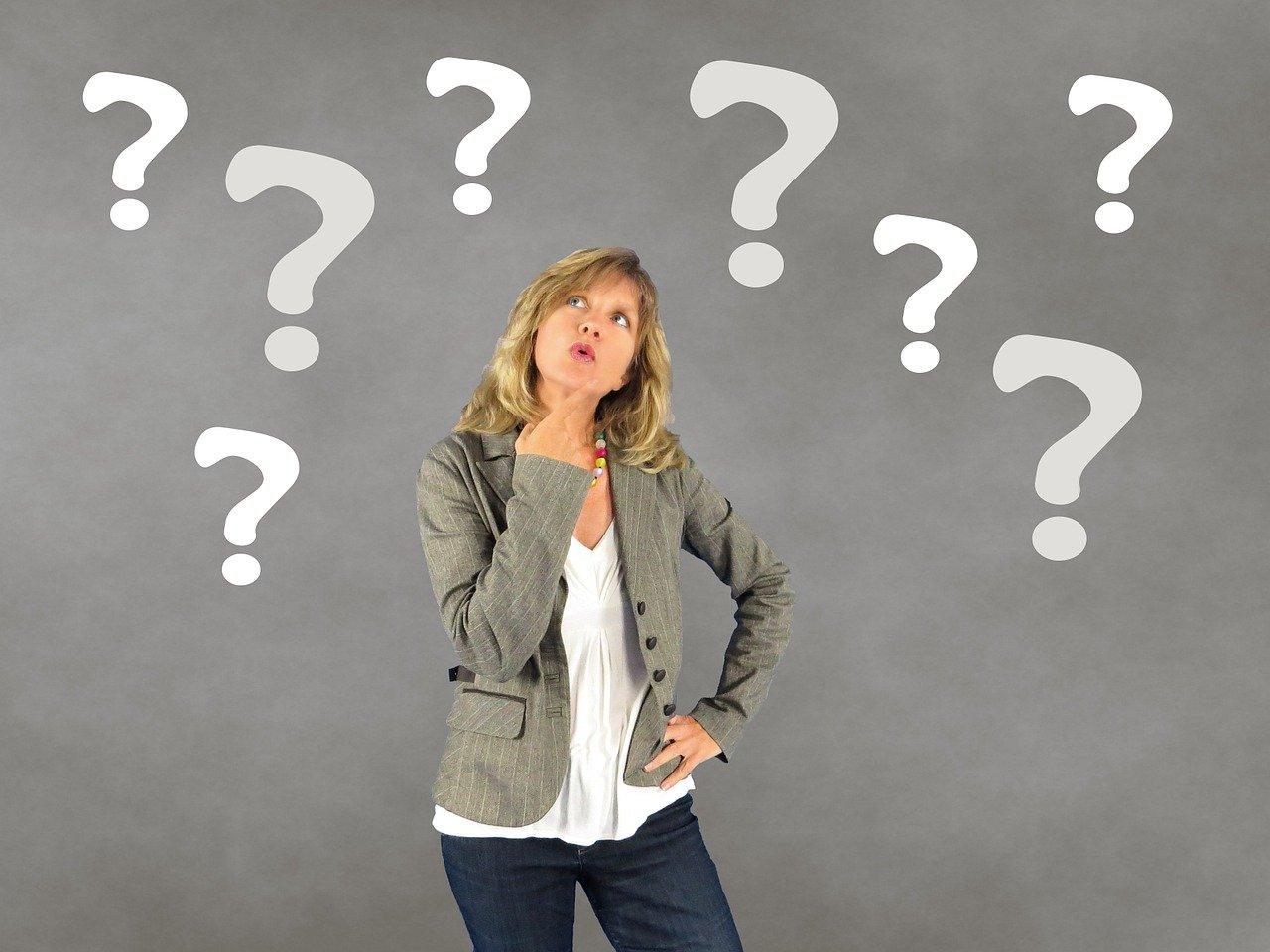 женщина, вопрос, затруднение, выбор, задумчивость