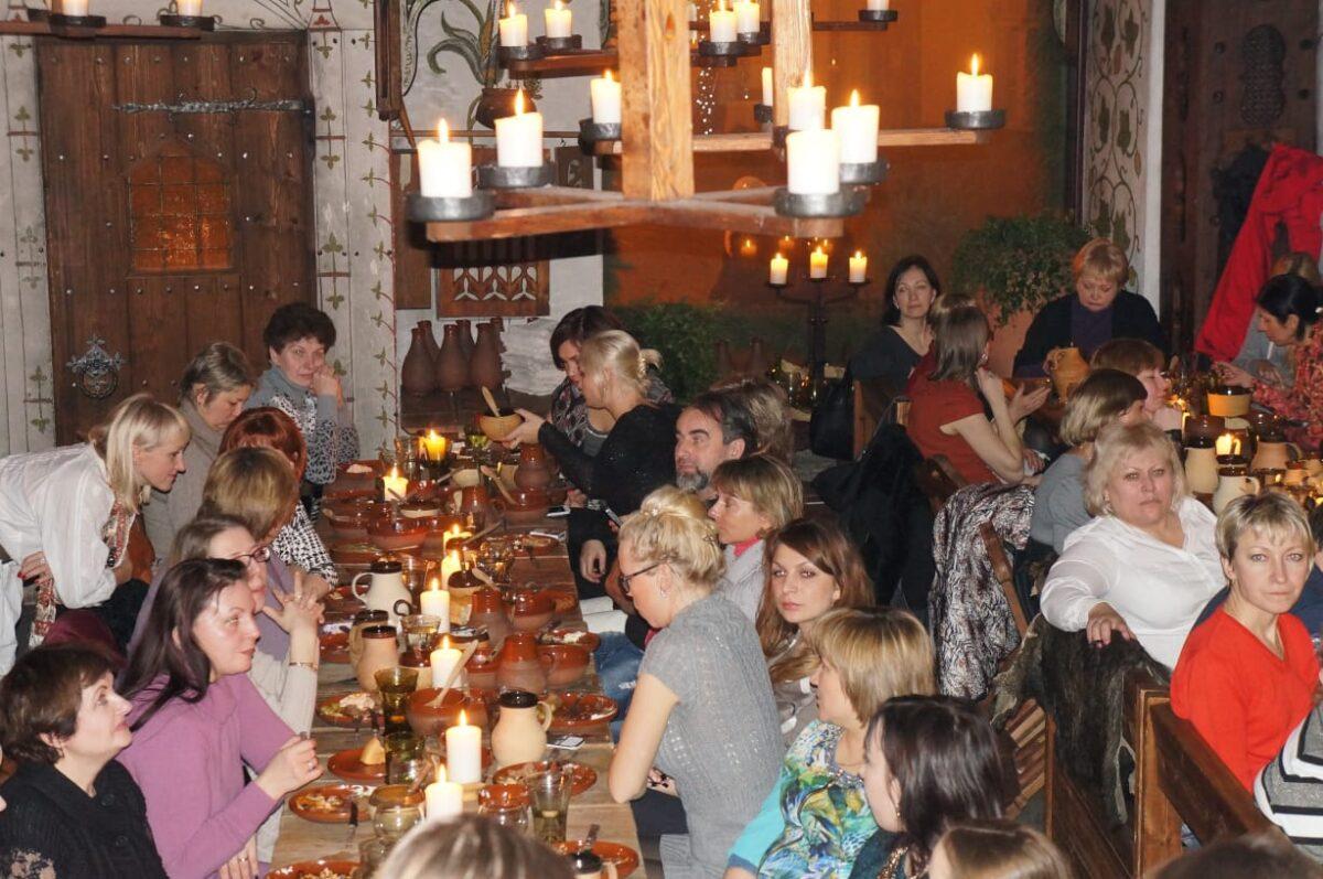 Меню средневекового ресторана покорило выбором блюд. Фото Ирины Лариной