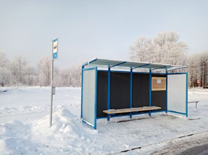 Автобусная остановка на улице Йыэсуу