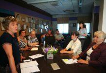 Круглый стол представителей социальных обществ и руководства города. Стольфат, Райк.