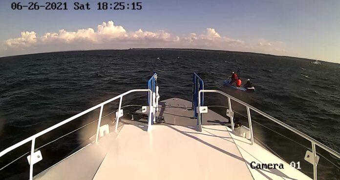 Стоп-кадр видео спасения на море