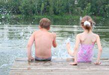 дети купание водоём