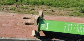 Велостанция на дорожке Нарва - Нарва-Йыэсуу