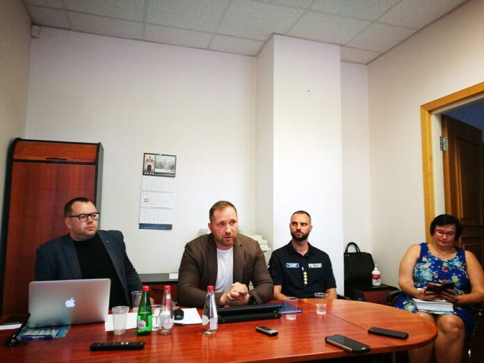 Владимир Изотов, Марек Бенди и Кальмар Янно