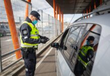 Проверка документов на границе Эстонии